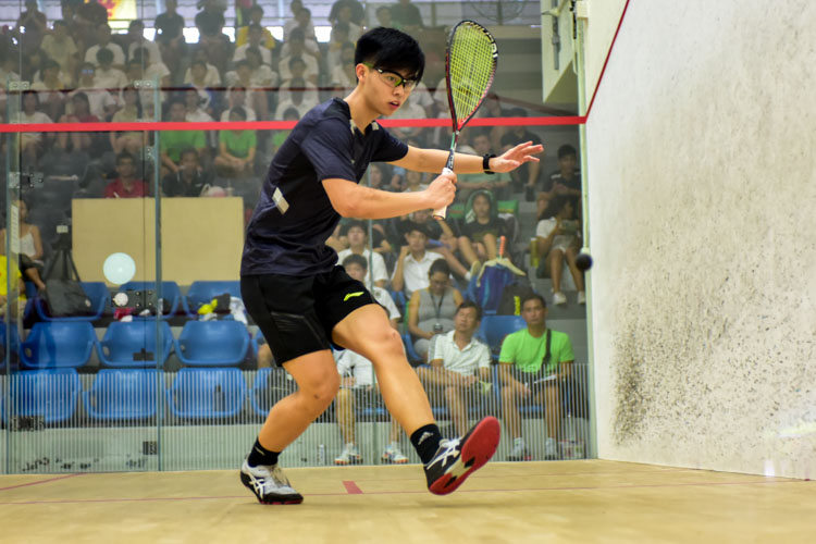 Aaron-Jon Widjaja Liang of RI in action during his match against HCI's Tan Rui Zhi. (Photo © Stefanus Ian/Red Sports)