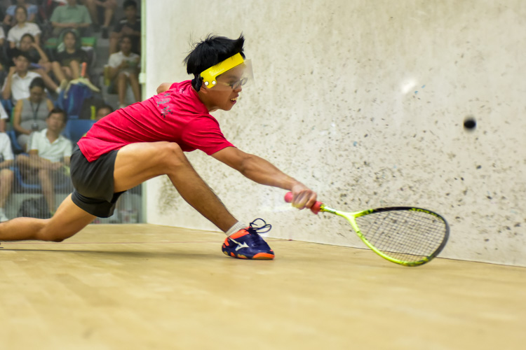 HCI's Tan Rui Zhi in action during his match against RI's Aaron-Jon Widjaja Liang. (Photo © Stefanus Ian/Red Sports)