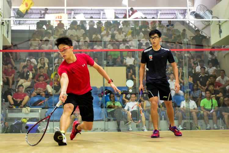 HCI's Kieren Tan in action during his match against RI's Clement Hung. (Photo © Stefanus Ian/Red Sports)