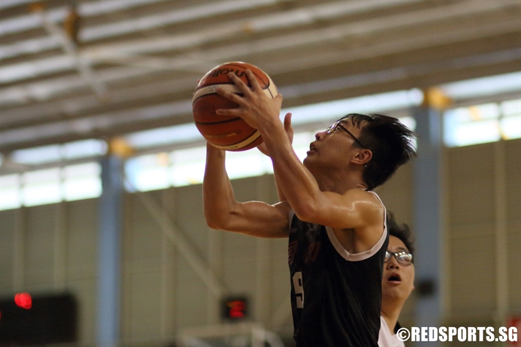 Adler Chua (NJC #9) looks to score in the paint. (Photo 8 © Dylan Chua/Red Sports)