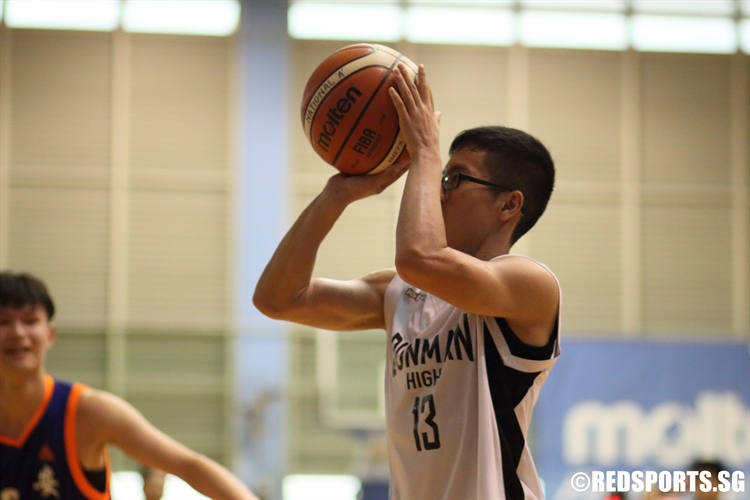 Joshaun Goh (DHS #13) takes aim for a three-pointer. (Photo 9 © Dylan Chua/Red Sports)