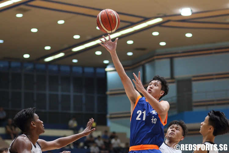Keith Tan (AJC #21) goes for an open lay-up. (Photo 5 © Dylan Chua/Red Sports)