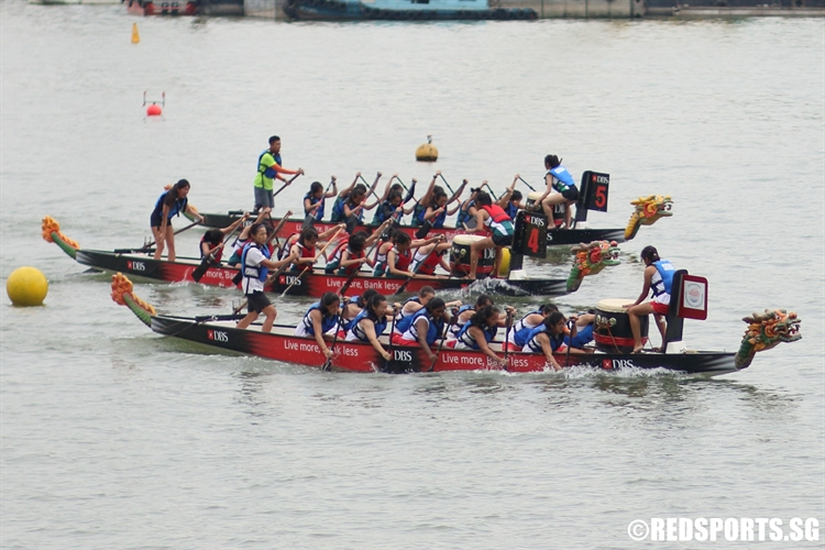 Teams race down the final stretch of the 200m DB12 race. (Photo 6 © Chan Hua Zheng/Red Sports)