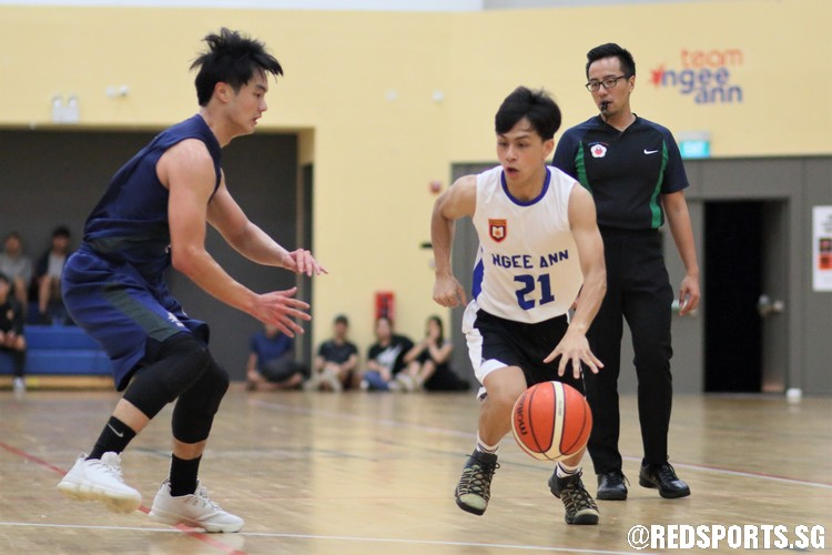 Wu Ming Ming (NP #21) blows by his defender on a drive. (Photo  © Chan Hua Zheng/Red Sports)