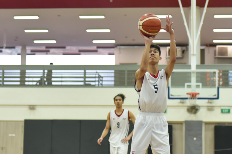 Wong Teng yew (NYP #5) attempting a free throw during the match between Temasek Polytechnic and Nanyang Polytechnic. (Photo 1 © Stefanus Ian/Red Sports)