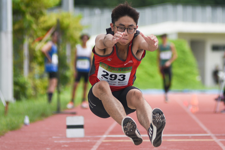 Chua Ding Zu of Temasek Polytechnic competing in the Men's Triple Jump Open event. (Photo © Stefanus Ian/Red Sports)