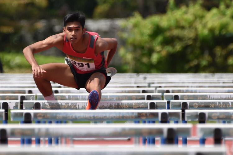 Hafiz bin Misnal of TP racing during the 2018 POL-ITE 110m hurdles heats. (Photo 1 © Stefanus Ian/Red Sports)
