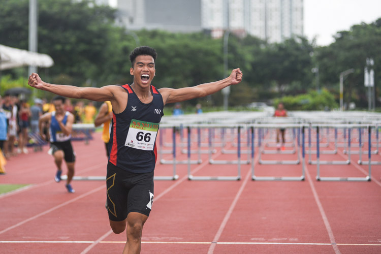 Hairul Syamil Bin Mardan of NYP screaming in jubilation after winning silver in the 2018 POL-ITE 110m hurdles race. (Photo 1 © Stefanus Ian/Red Sports)