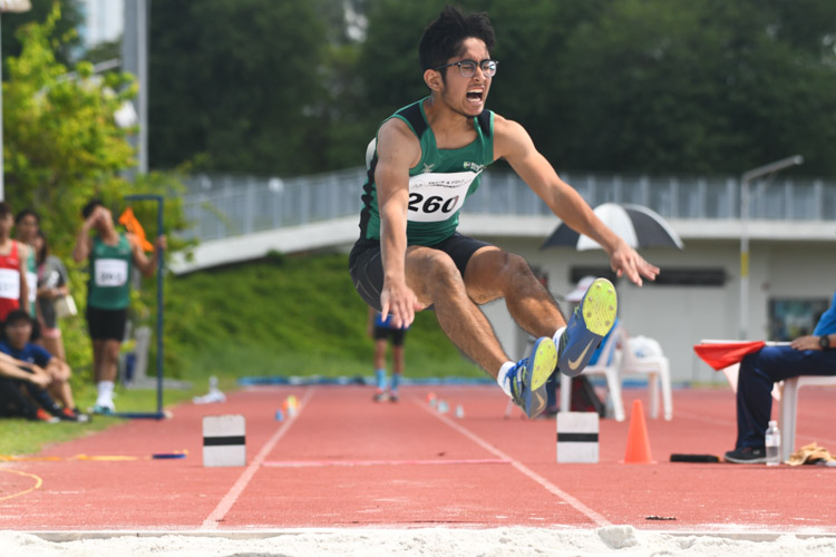 Arfan bin Azhar (#260) of NUS clinched bronze in the Men's Triple Jump event with a distance of 13.84m. (Photo 1 © Stefanus Ian/Red Sports)