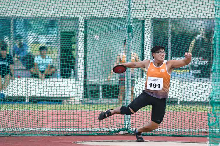 Tan Ting Jun of NUS won second place in the men's discus throw open. (Photo 12 © Stefanus Ian/Red Sports)