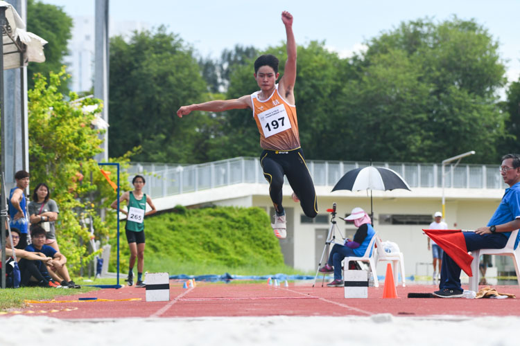 Joseph Zhao (#197) of NUS clinched silver in the Men's Triple Jump event with a distance of 14.11m. (Photo 1 © Stefanus Ian/Red Sports)