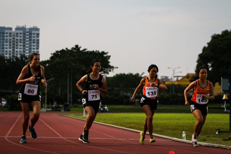 Runners at the start line of the women's 10,000m event. (Photo 1 © REDintern Young Tan)