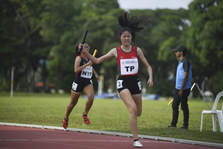 Alanis Moey clinches the silver for TP in the women's 4x400m relay. (Photo 14 © Stefanus Ian/Red Sports)