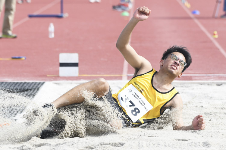Kyaw Linn Naing of Singapore Polytechnic came in sixth in the Men's Long Jump event with a final distance of 6.43m. (Photo 1 © Stefanus Ian/Red Sports)