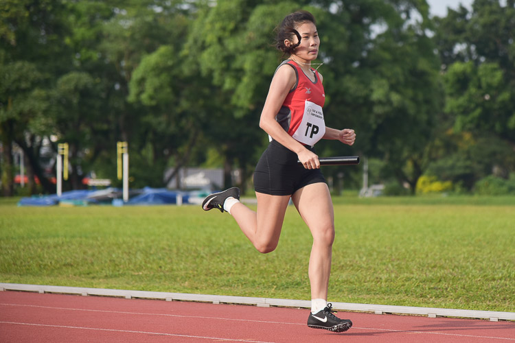 Andreana Jaslyn Tang of TP on the third leg in the women's 4x400m relay final. (Photo 9 © Iman Hashim/Red Sports)