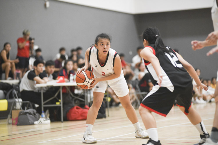 Trailing for most of the game, Singapore Institute of Technology (SIT) rallied back in the final minutes to earn their spot in the Institute-Varsity-Polytechnic (IVP) finals by a margin of two points, beating Temasek Polytechnic 53-55. (Photo 1 © Stefanus Ian/Red Sports)