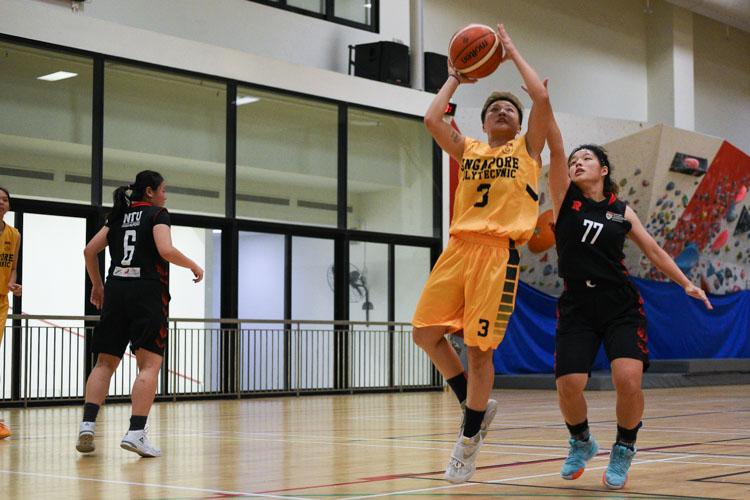 NTU beat SP 63-44 to advance to the IVP Basketball Championship final. (Photo 31 © Iman Hashim/Red Sports)
