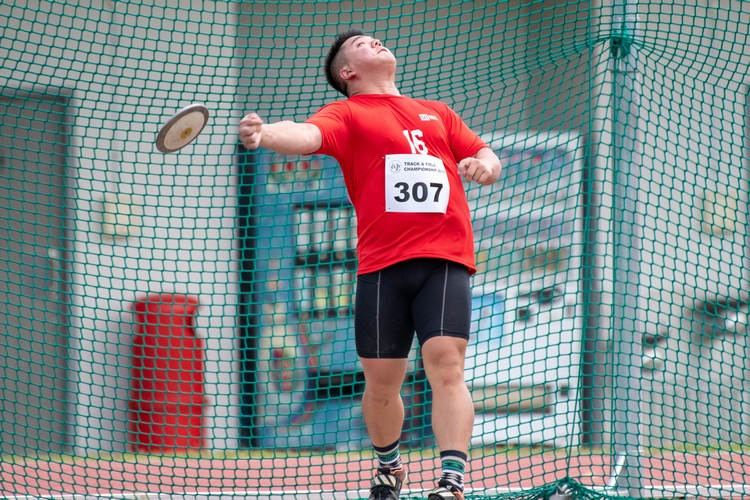 Caleb Hoe of SIT finished 4th in the men's discus throw open at 32.27m. (Photo 10 © Jared Khoo/REDintern)
