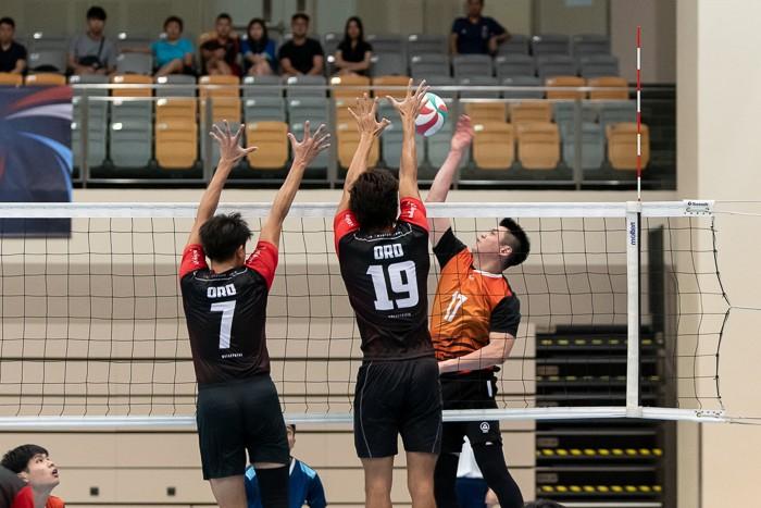 Kieth Ang Chun Lai (#17) of Spaiko takes a shot against ORD players Benjamin Choo (#7) and Kingsley Tay (#19).