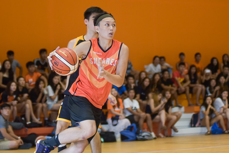 Dillon Low (SH #2) eyes the lay-up. (Photo 14 © Iman Hashim/Red Sports)