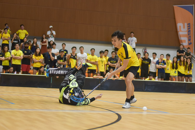Edwin Ng (EH #72) misses the mark in the shootout. (Photo 26 © Iman Hashim/Red Sports)