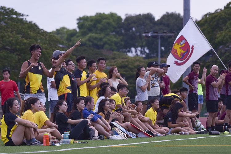 Eusoff supporters cheering their team on. (Photo 15 © Iman Hashim/Red Sports)