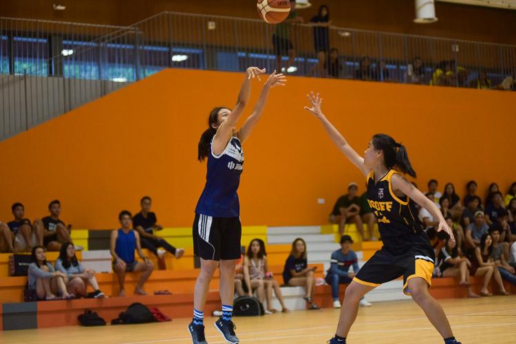 Freda Chua (KR #12) goes for three. (Photo 22 © Iman Hashim/Red Sports)
