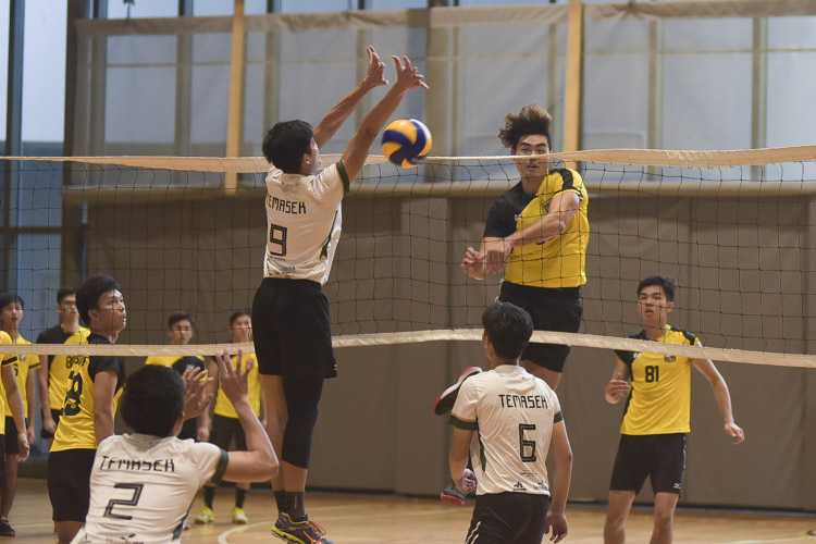 Eusoff Hall defeated Temasek Hall 3-1 (24-26, 25-21, 25-17, 25-18) to claim the IHG Volleyball title. (Photo 14 © Iman Hashim/Red Sports)