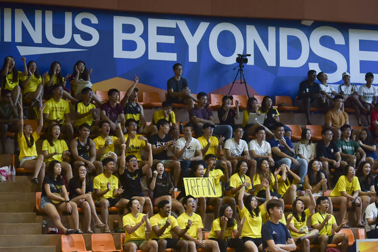 The Eusoff faithful cheering their team on. (Photo 8 © Iman Hashim/Red Sports)