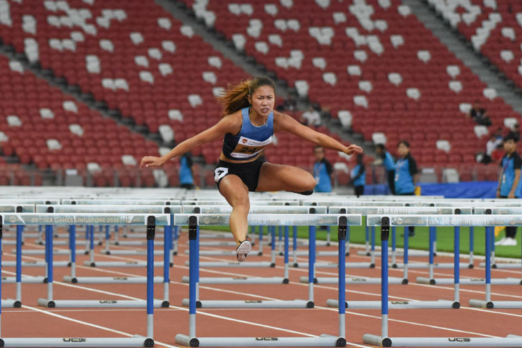 Kerstin Ong clocked 14.94s to finish third in the 100m Hurdles Women's Open. (Photo 1 © Iman Hashim/Red Sports)