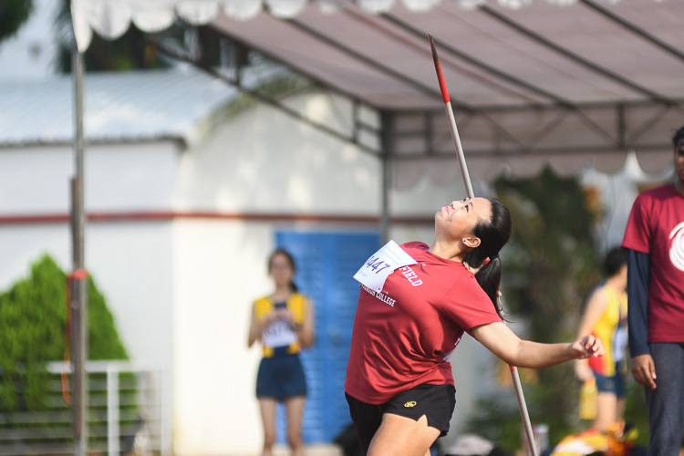 Ang Xin Ying of Victoria Junior College secured silver with a final distance of 26.78m in the A Division girls' Javelin Throw event. (Photo 1 © Stefanus Ian/Red Sports)