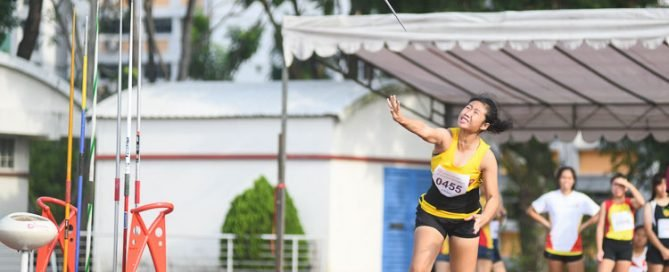 Deseree Khor of Victoria Junior College clinched gold with a final distance of 32.63m in the A Division girls' Javelin Throw event. (Photo 1 © Stefanus Ian/Red Sports)