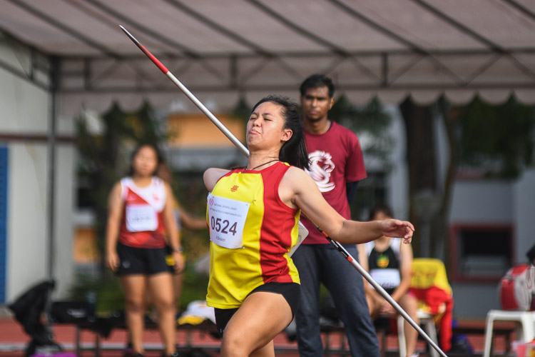 Tesha Tye of Hwa Chong Institution came in fourth in the A Division Javelin event with a final distance of 24.62m. (Photo 1 © Stefanus Ian/Red Sports)
