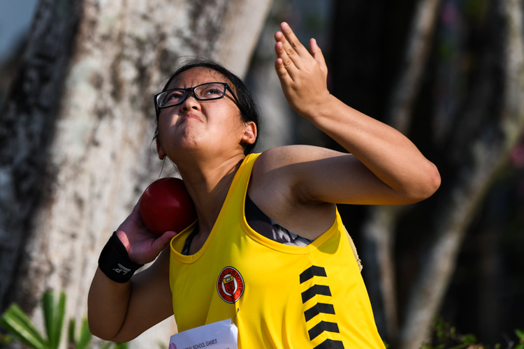 Wong Rui Yue of VJC came in first in the A Division Girls Shot Put event with a final distance of 11.09m. (Photo 1 © Stefanus Ian/Red Sports)