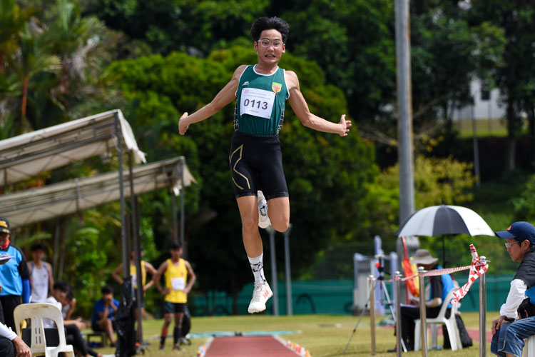 Joel Tan of Raffles Institution placed eighth with 6.18m. (Photo 14 © Iman Hashim/Red Sports)