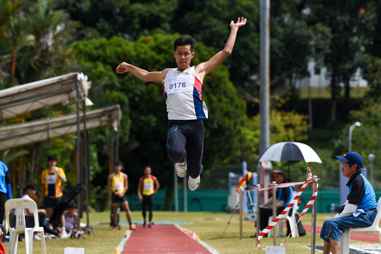 Teo Yock Cheng of Dunman High School placed fourth with 6.39m. (Photo 11 © Iman Hashim/Red Sports)