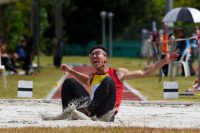Tedd Toh of Hwa Chong Institution snatched the A Division boys' long jump title after leaping 6.89m on his last attempt. (Photo 1 © Iman Hashim/Red Sports)