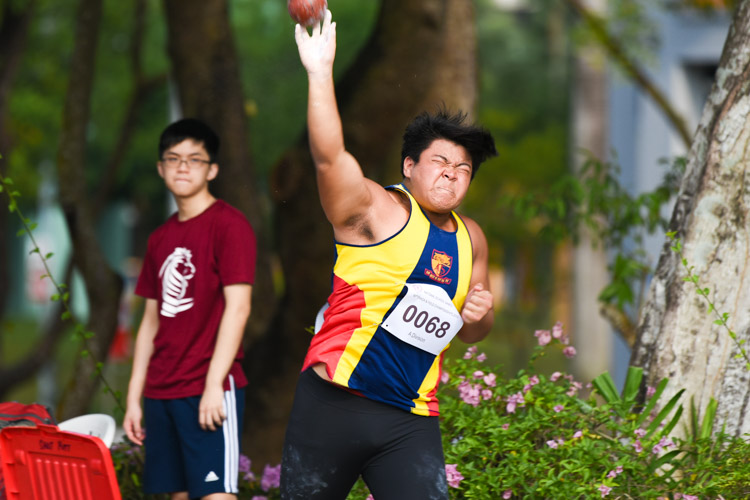 Thierry Ong (#68) of ACS(I) placed sixth with 12.66m. (Photo 7 © Iman Hashim/Red Sports)