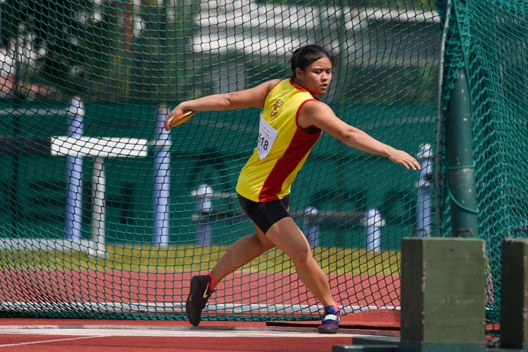 Jasmin Phua of Hwa Chong Institution won the A Division girls' discus gold with the furthest throw of 38.41m. (Photo 15 © Iman Hashim/Red Sports)