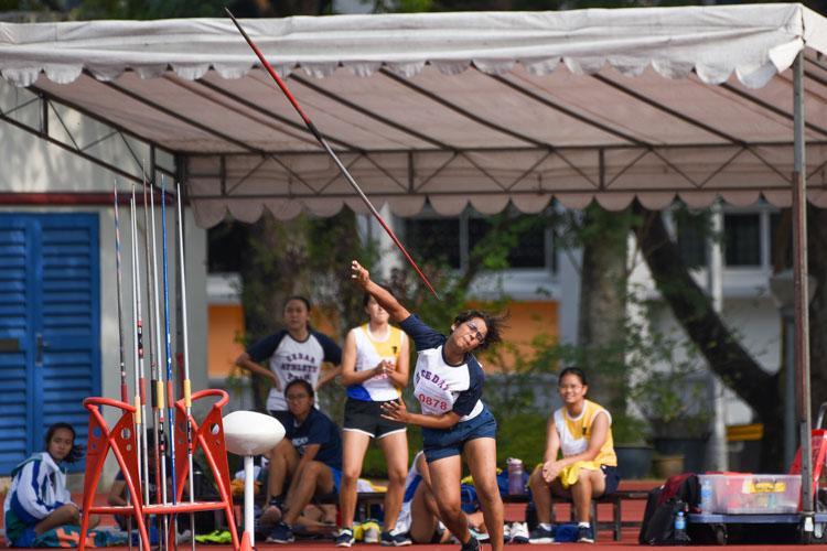 Daakshayani Negi of Cedar Girls' Secondary threw 34.70m to win gold in the B Division girls' javelin. (Photo 1 © Iman Hashim/Red Sports)