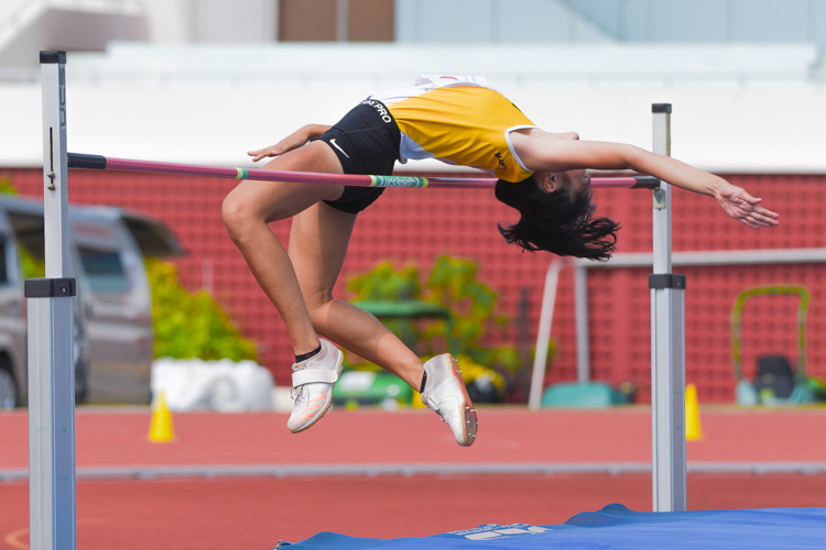 Jade Chew of Nanyang Girls' High School struck gold in the B Division girls' high jump and attained a new personal best of 1.62m to improve on the 1.61m C Division mark she had set last year. (Photo 1 © Iman Hashim/Red Sports)