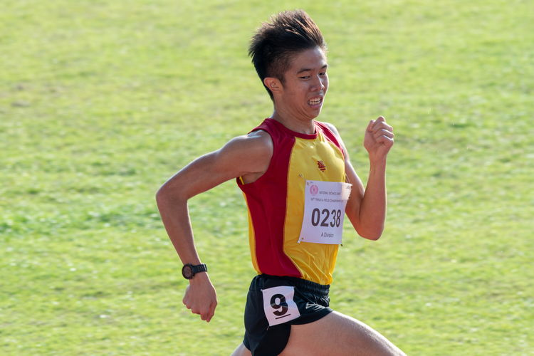 Ethan Yikai Yan placed first in the 5000m A Divison Boys' Finals with a time of 16:23.44.