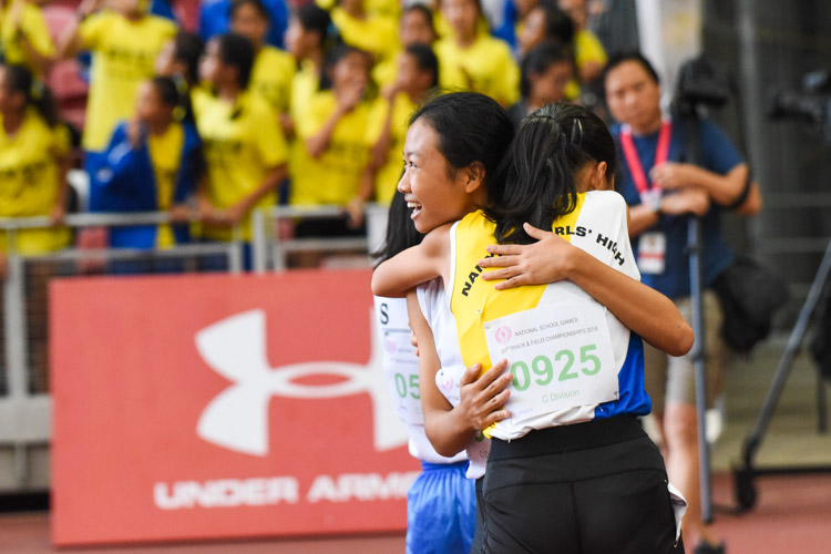 Competitors embrace after the race. (Photo 1 © Iman Hashim/Red Sports)