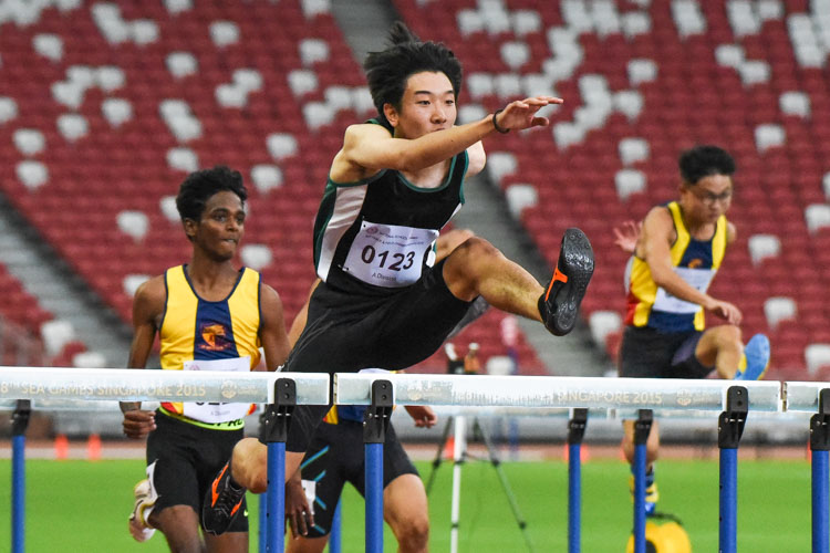 Matz Chan (#123) of RI won the A Division boys' 110m hurdles final in 15.70 seconds to seal a double hurdles gold, after also winning the 400m hurdles event. (Photo 1 © Iman Hashim/Red Sports)