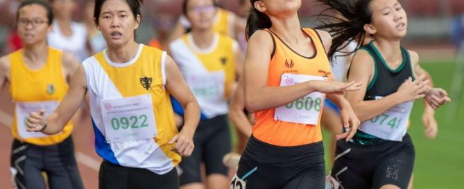 Sallit Olivia (#608) of Singapore Sports School finished first in the C Division Girls 800m final with a time of 02:38.55. In second and third place, Esther Tay (#922) of NYGH and Regina Ng of RGS respectively.