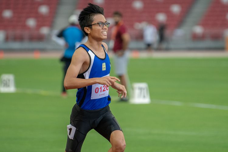 Edwin Huang Jingkai (#126) of Northbrooks Secondary School finished in seventh place in the B Division Boys' 2000m steeplechase final with a time of 07:16.44.
