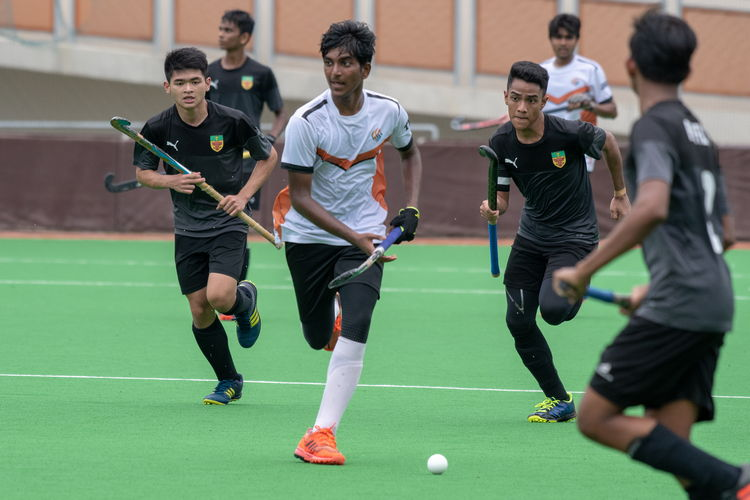 An ASRJC attacker looks to pass forwards while he can still pass freely.