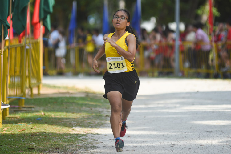 VJC's Melina Thebe (#2101) finished 22nd in the Girls' A Division cross country race with a time of 18:06.2. (Photo 1 © Iman Hashim/Red Sports)