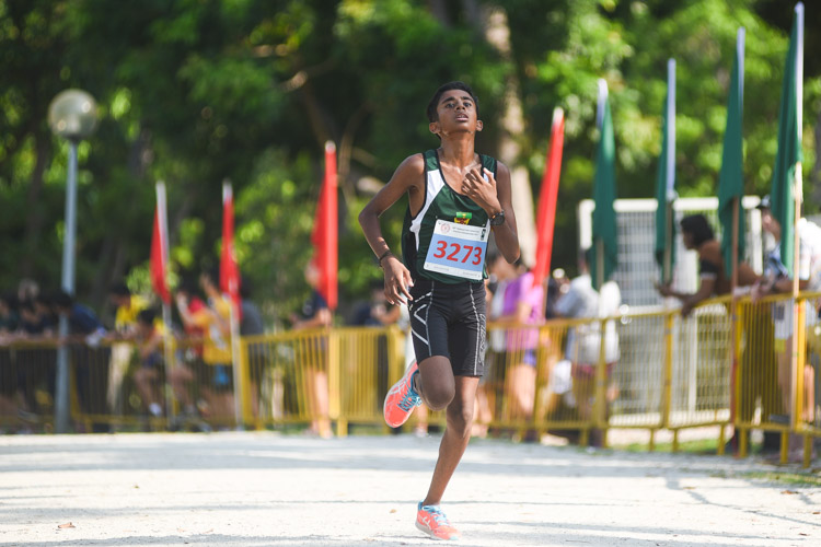 RI's Bhuvan Anantham finished third in the Boys' B Division cross country race with a time of 17:15.1. (Photo 1 © Iman Hashim/Red Sports)