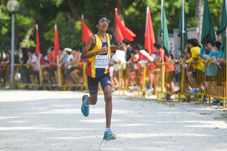 ACS(I)'s Niraj Singh finished eighth in the Boys' C Division cross country race with a time of 14:10.0. (Photo 1 © Iman Hashim/Red Sports)